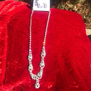 NWT NWT Clair's Rhinestone Necklace & Earring Set
